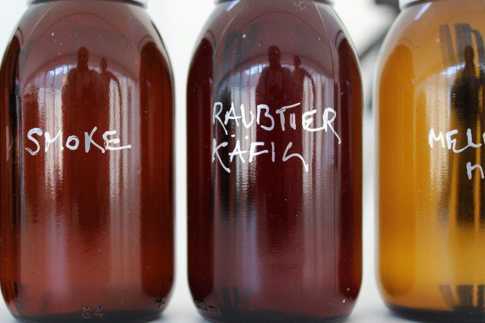 Smeller_Bottles_CU_IMG_1135_150_s
