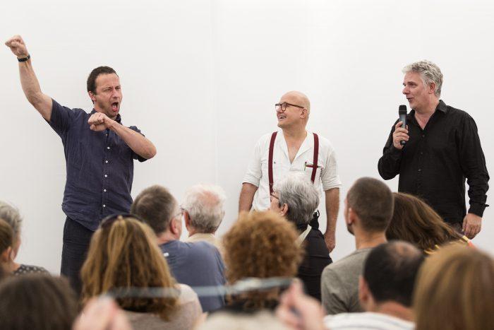 Wolfgang Georgsdorf wird in Gebärdensprache übersetzt. © Gianmarco Bresadola